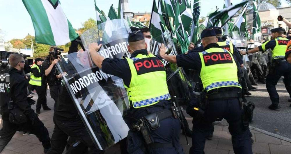 اعتقال العشرات خلال مسيرة للنازيين الجدد بالسويد