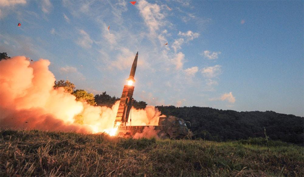 كوريا الشمالية تستعد لإطلاق صاروخ جديد