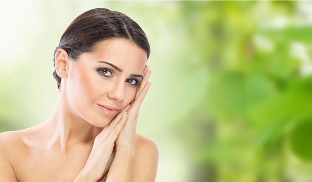 خطوات علمية للحفاظ على صحة وشباب وجهك