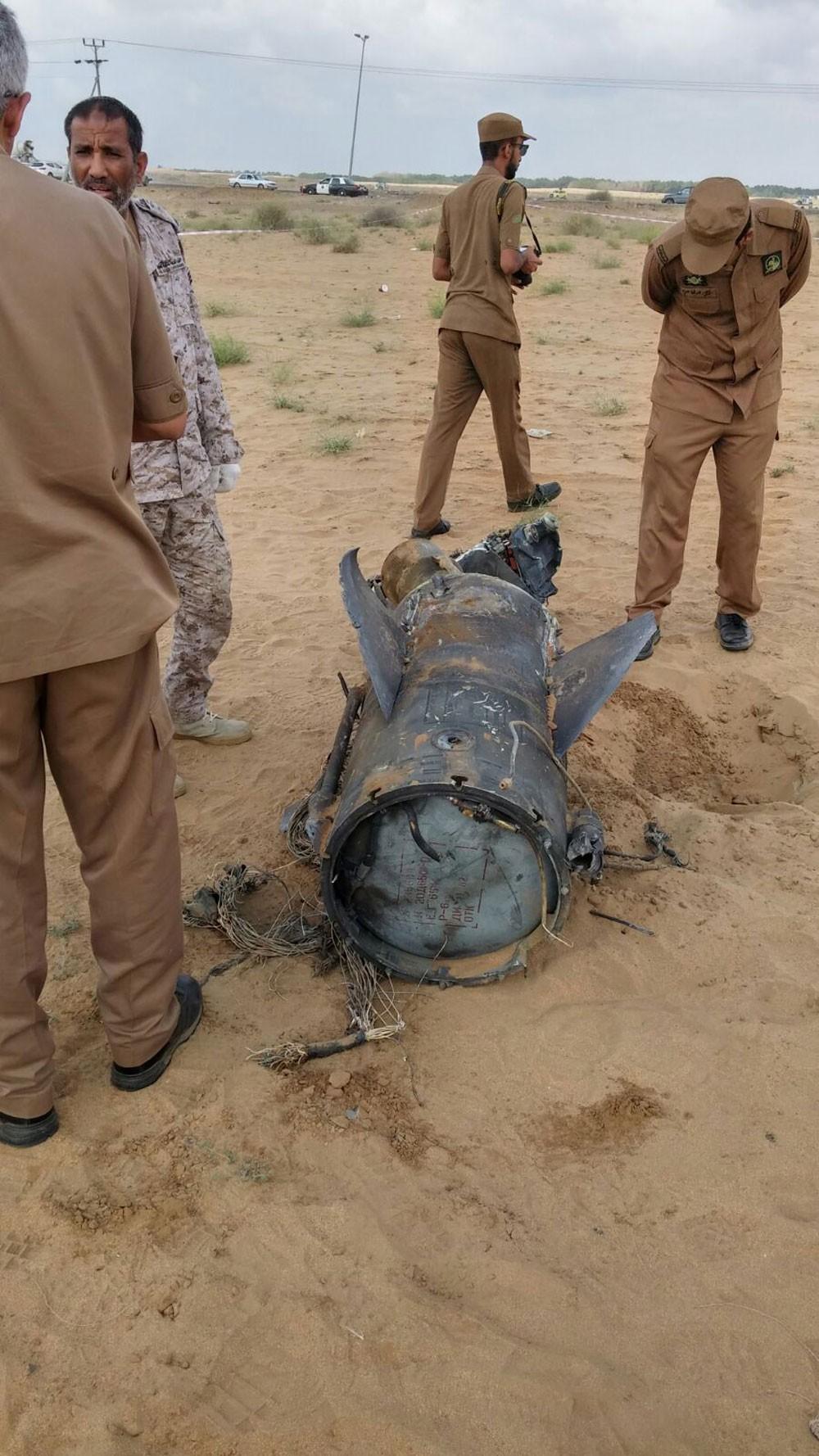 اعتراض صاروخ حوثي باتجاه نجران وسقوط آخر بمنطقة صحراوية