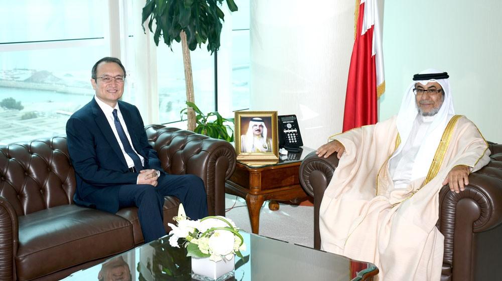 وزير شؤون المجلسين يستقبل السفير الصيني لدى المملكة