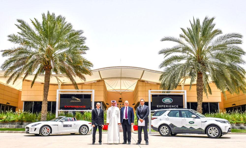 السيارات الأوروبية جاكوار لاند روﭬر تطلق أول مركز تجربة جاكوار للتجارب