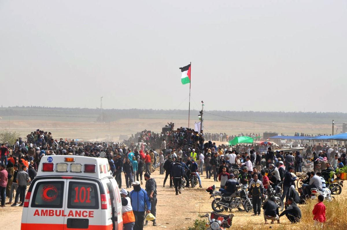 """غزة.. عشرات الإصابات في """"مسيرات العودة"""""""