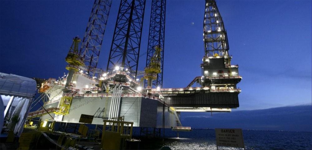 النفط ينخفض مع تراجع أنشطة التكرير الصينية