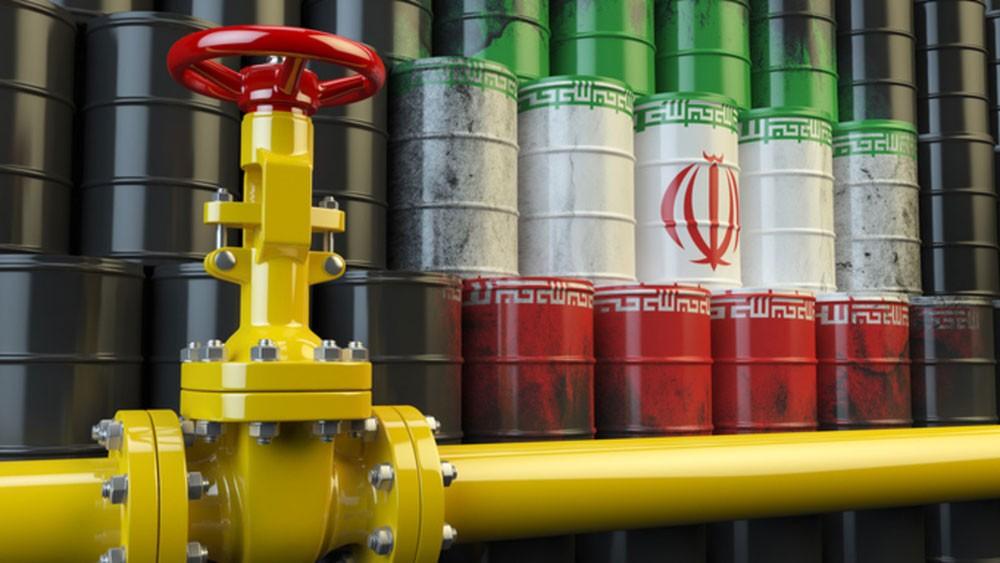 أكبر بنك هندي يوقف مدفوعات النفط مع إيران