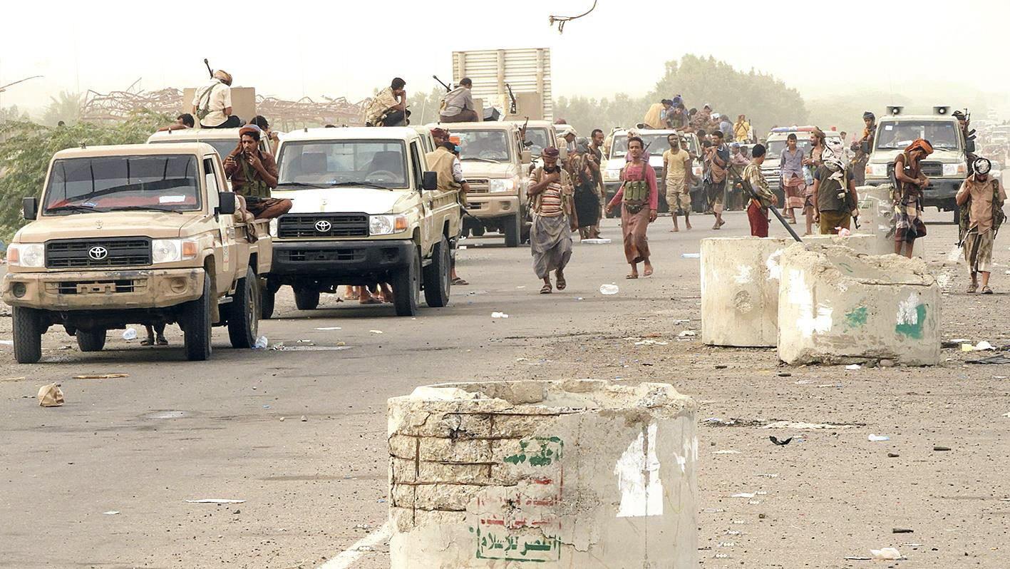 الجيش اليمني يسيطر على مدخل مطار الحديدة