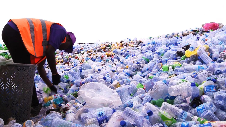 اليابان: الحد من تلوث المواد البلاستيكية الدقيقة
