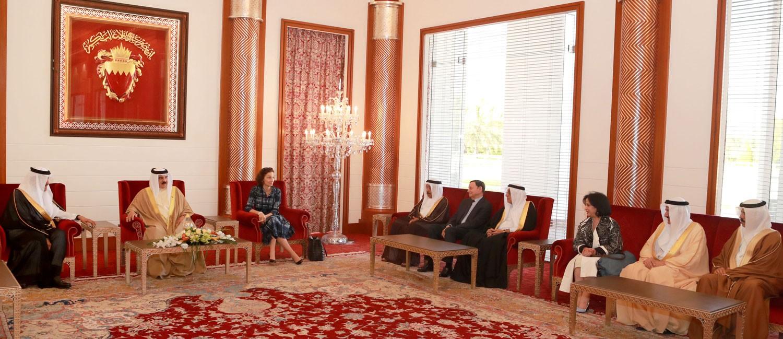 جلالة الملك يستقبل المشاركين في اجتماع لجنة التراث العالمي