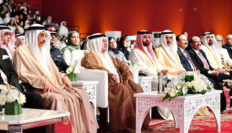 سمو الشيخ علي بن خليفة يحضر حفل تخرج الكلية الملكية للجراحين