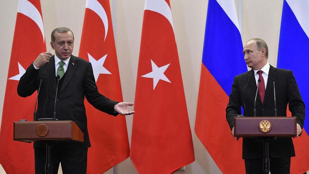 أردوغان لبوتين: اتفاق أستانا ينهار إذا قصف الأسد إدلب