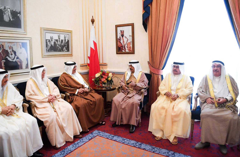 رئيس الوزراء وولي العهد: المضي قدما في مسار التقدم التنموي