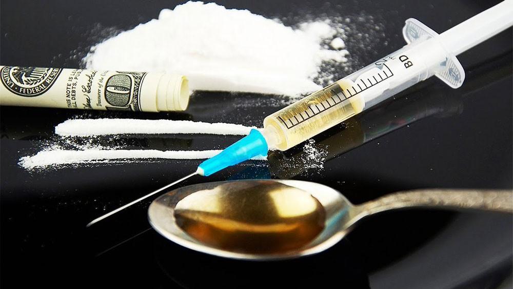 بدء محاكمة شبكة تهريب مخدرات تضم 7 متهمين منهم اثنين إفريقيين