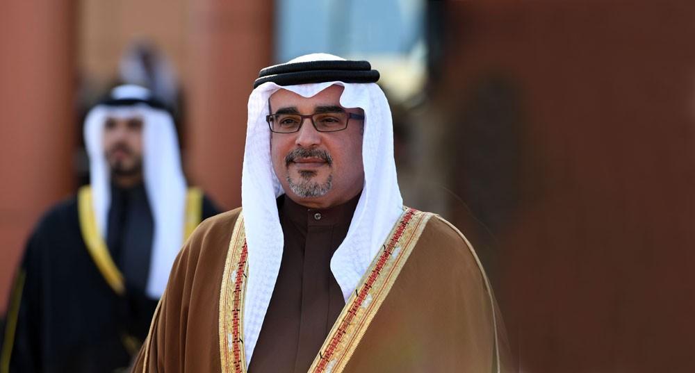 سمو ولي العهد يهنئ سلطان عمان ونائب رئيس الوزراء لشؤون مجلس الوزراء بذكرى يوم النهضة المباركة