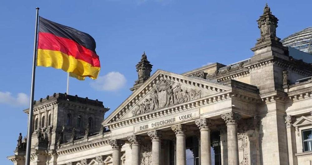 جماعات الصناعة بألمانيا تحذر واشنطن من التعريفات قبل اجتماع مع الاتحاد الأوروبي
