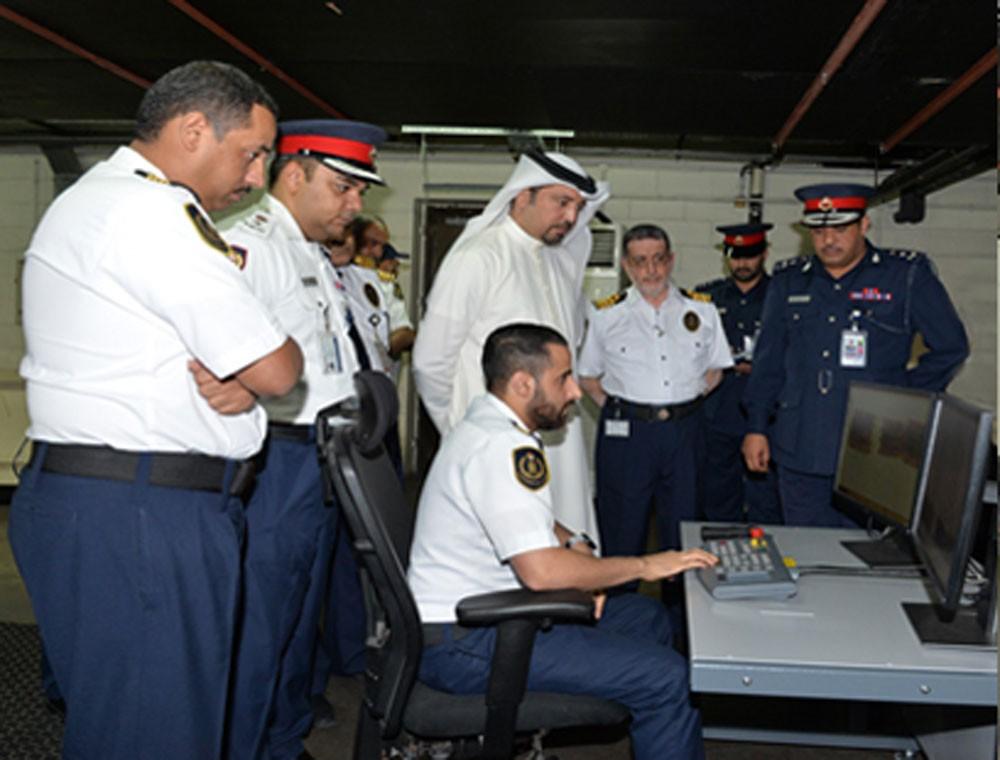 الجمارك تدشن منظومة أجهزة أشعة متطورة في مطار البحرين الدولي