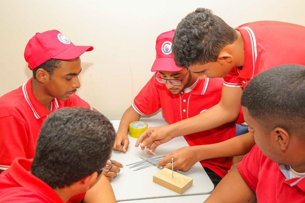 المعسكر الصيفي يتابع فعاليات أسبوعه الثاني ببرامج تعليمية وورش عمل منوعة