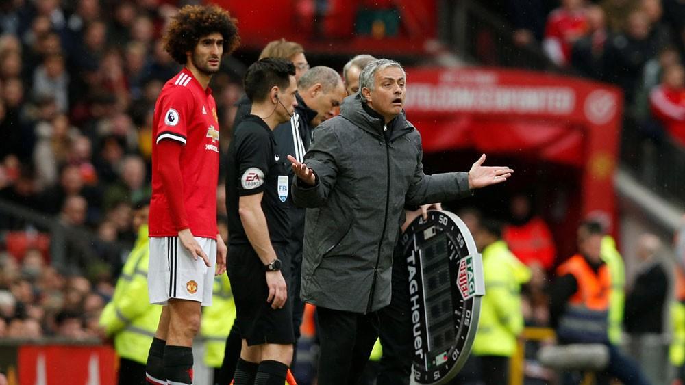 مورينيو يطلب من لاعبي يونايتد تقليص إجازاتهم