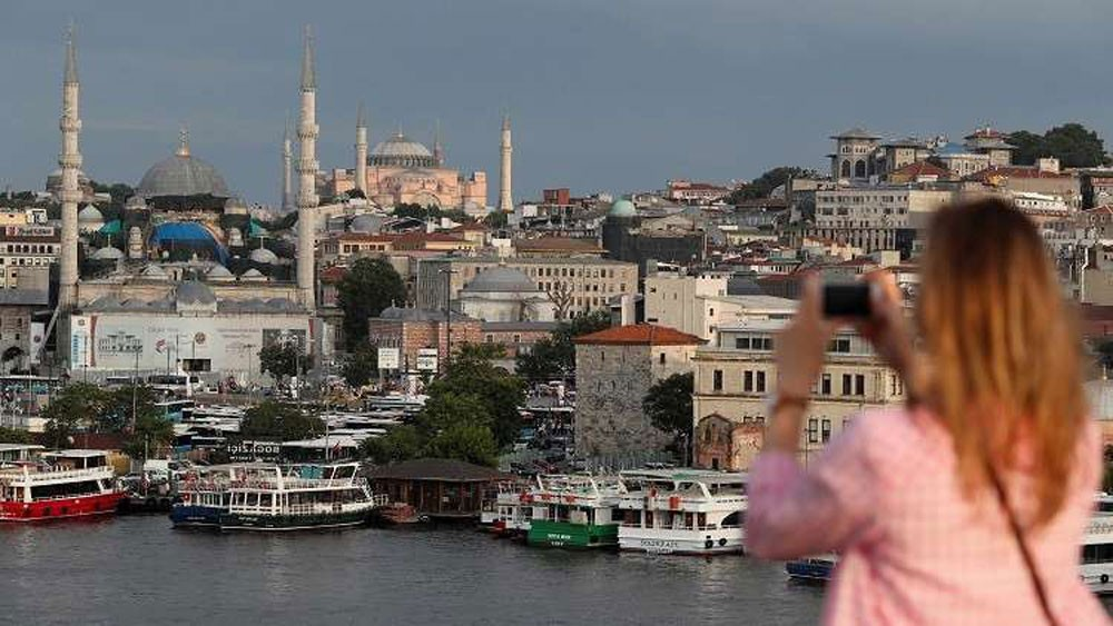 السوريون يحوزون المرتبة الأولى بتركيا ويتفوقون على الأجانب!
