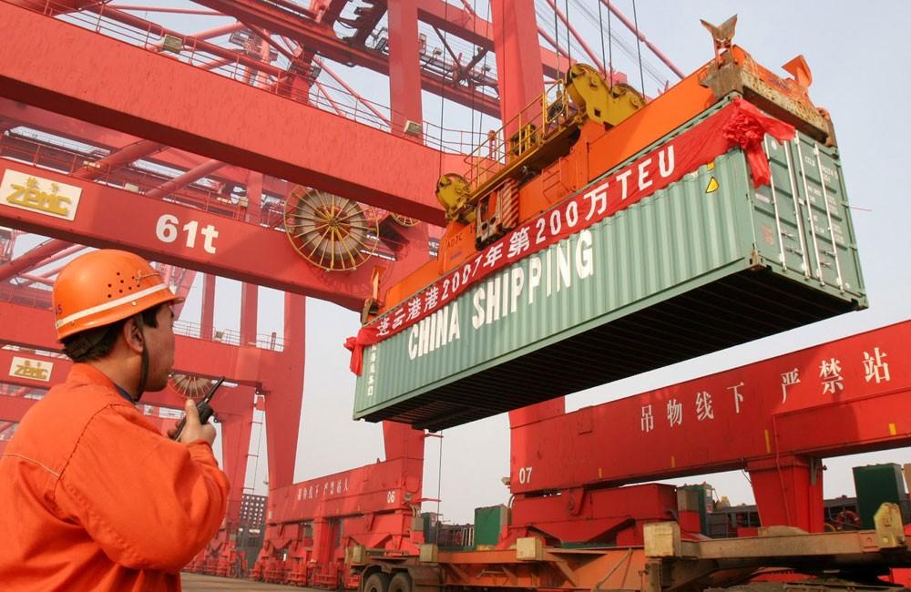 واشنطن تدرس فرض رسوم إضافية على واردات صينية