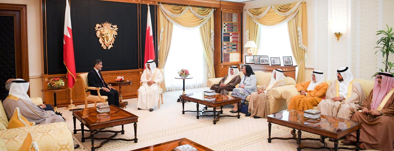 سمو رئيس الوزراء يدعو الى ابعاد مخاطر الحروب وآثارها المدمرة على الأوضاع الصحية عن المنطقة