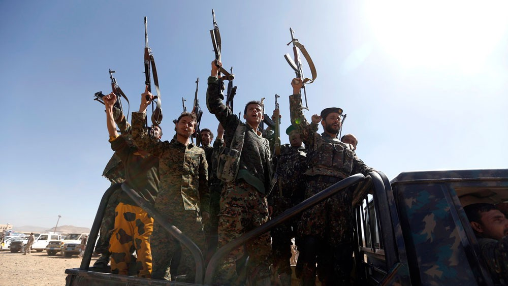 ميليشيات الحوثي تمنع ملاحقة قياداتها بتهم الفساد والنهب