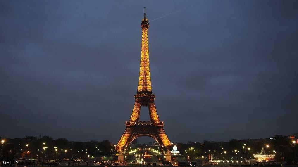 إضراب باريس يغلق برج إيفل