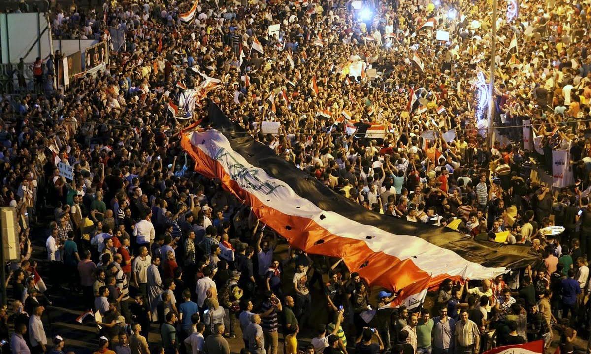 """""""الحق يؤخذ ولا يعطى"""".. السيستاني يدعو لمظاهرات شعبية"""