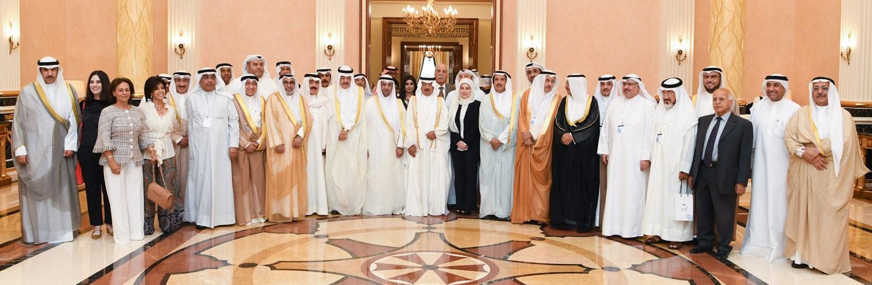 سمو رئيس الوزراء يستقبل وفداً حكومياً وإعلامياً كويتياً بمناسبة أولى رحلات الخطوط الكويتية