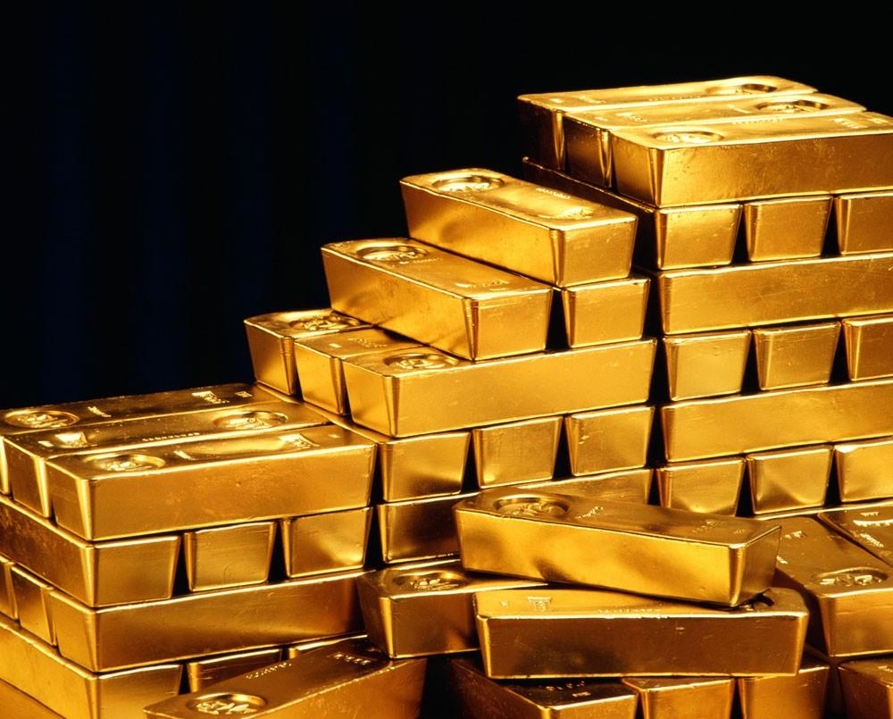 أسعار الذهب تقترب من أدنى مستوى في عام