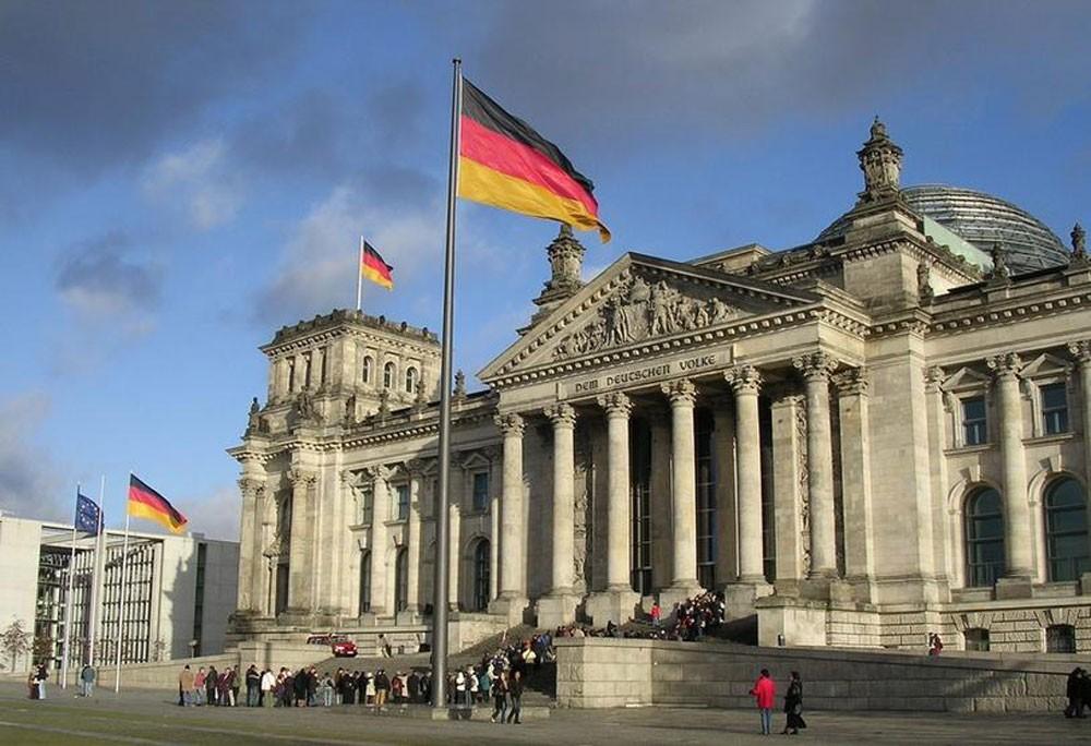 ألمانيا : رسوم ترامب وعقوباته تدمر الوظائف والنمو