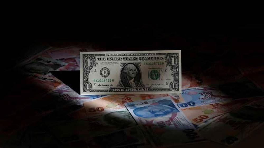 أزمة تركيا تقوّي الدولار.. وترامب يتباهى