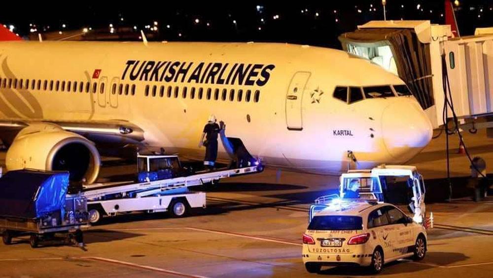 """طائرة """"تركية"""" تحوي أحد النظائر تغلق مطار بودابست جزئيا"""
