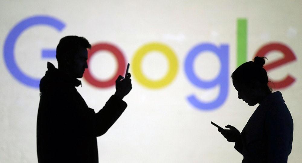 """""""غوغل"""" تدلي باعتراف خطير بشأن مستخدميها"""