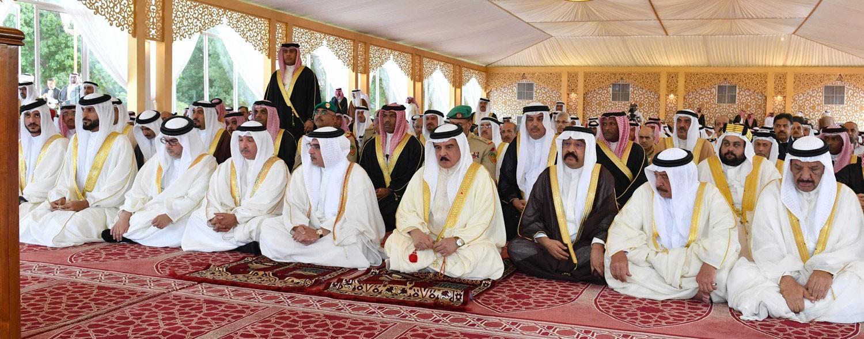 جلالة الملك يشارك المصلين اداء صلاة عيد الأضحى المبارك