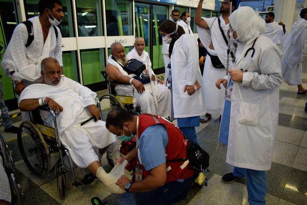 وزيرة الصحة تطلع على أعمال سير اللجنة الطبية للحج وتطمئن على وضع حجاج البحرين
