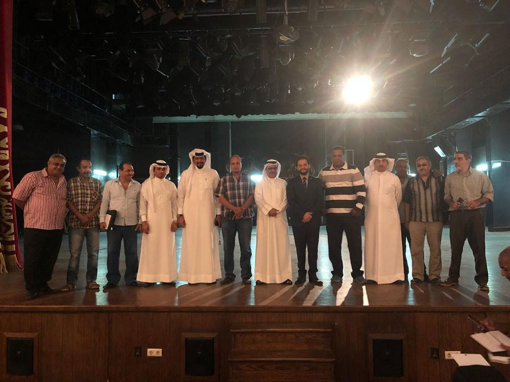 وفد مهرجان خالد بن حمد للمسرح الشبابي يقيم مؤتمرا صحافيا بالمسرح القومي في القاهرة