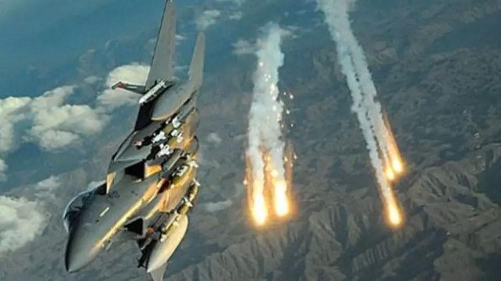 غارات على معسكر للحوثيين في حجة.. ومقتل العشرات