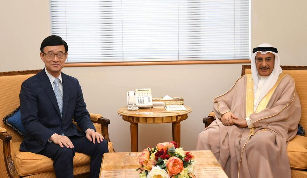 معالي الشيخ خالد بن عبد الله يستقبل السفير إيتو بمناسبة تعيينه
