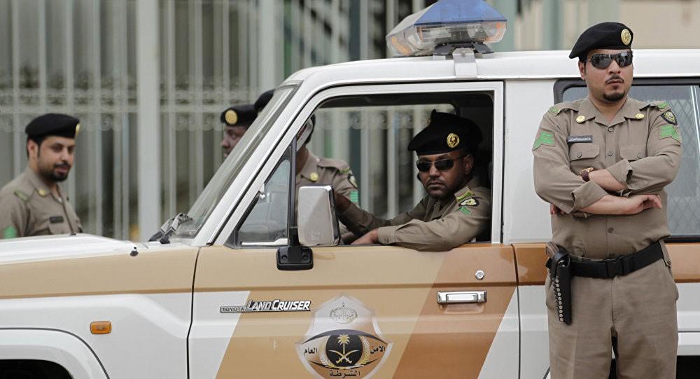 السعودية.. القبض على عصابة الصرافات الآلية