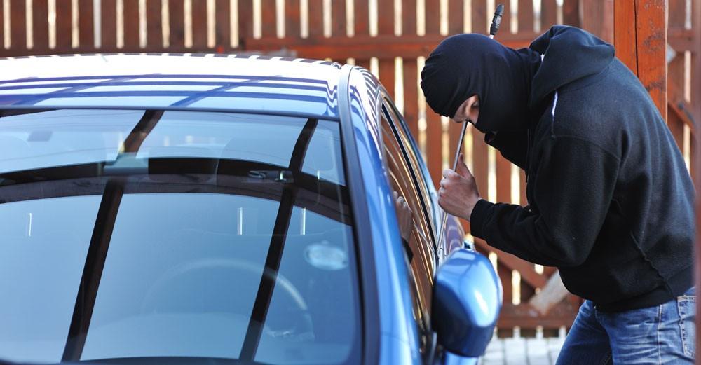 """""""31 أكتوبر"""" الحكم على شاب سرق سيارة بمنطقته وركنها أمام مسكنه"""