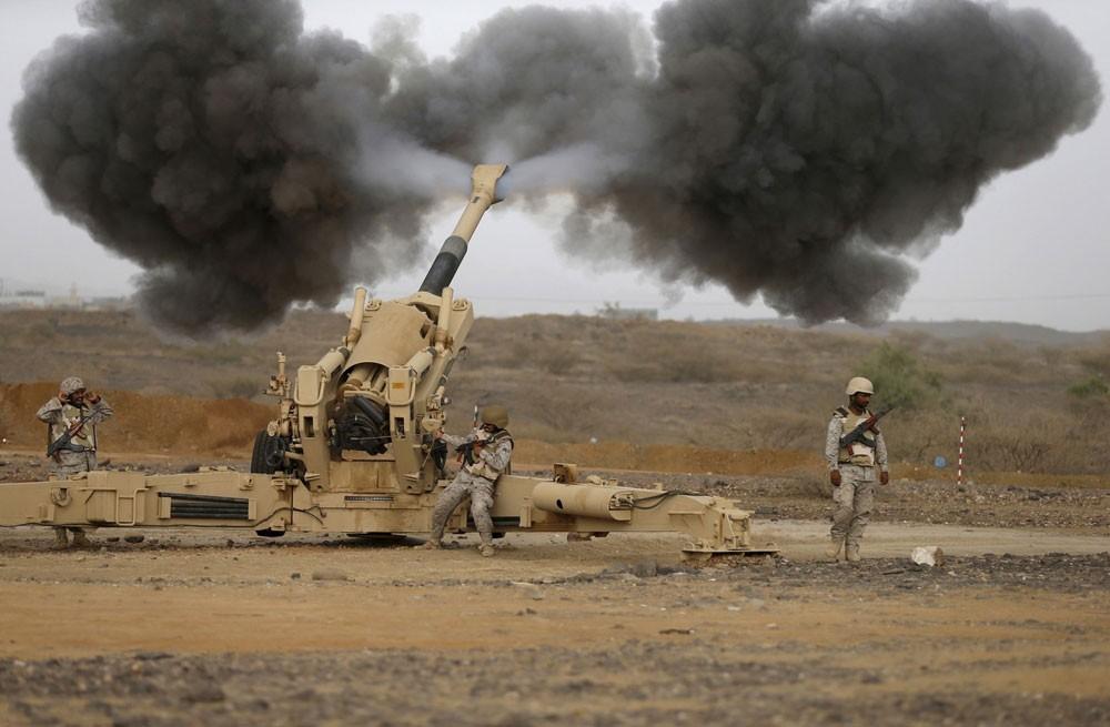 الحديدة.. مقتل 3 يمنيين بقصف حوثي استهدف سيارة إسعاف