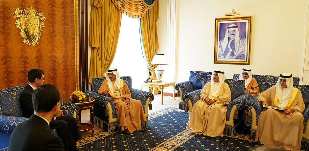 رئيس الوزراء يدعو الى تكثيف الزيارات بين البلدين لفتح افاق جديدة تخدم المصالح المشتركة