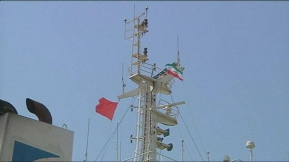 """عين الولايات المتحدة على سفن إيران.. """"لا مجال للالتفاف"""""""