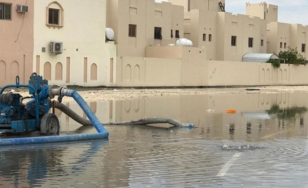 وزارة الإسكان : تضرر محدود بعدد من المشاريع وسحب مياه الأمطار في وقت قياسي