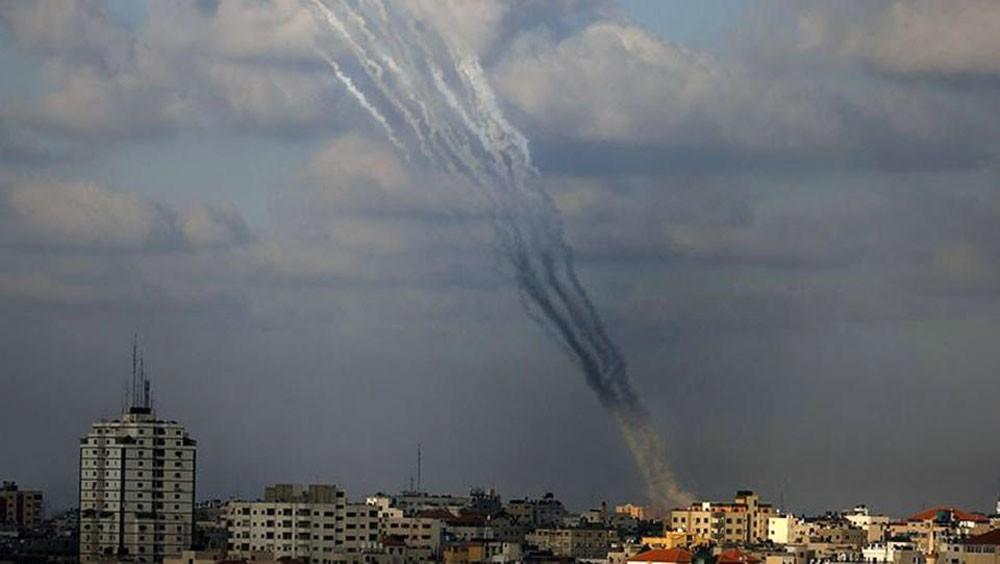 صواريخ غزة تُسقط 5 جرحى في مستوطنات إسرائيل