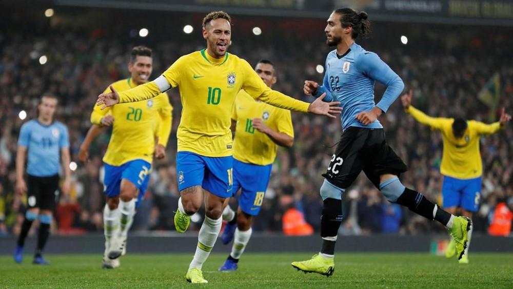 أوروغواي تفشل في حل عقدة البرازيل وتخسر بجزائية نيمار