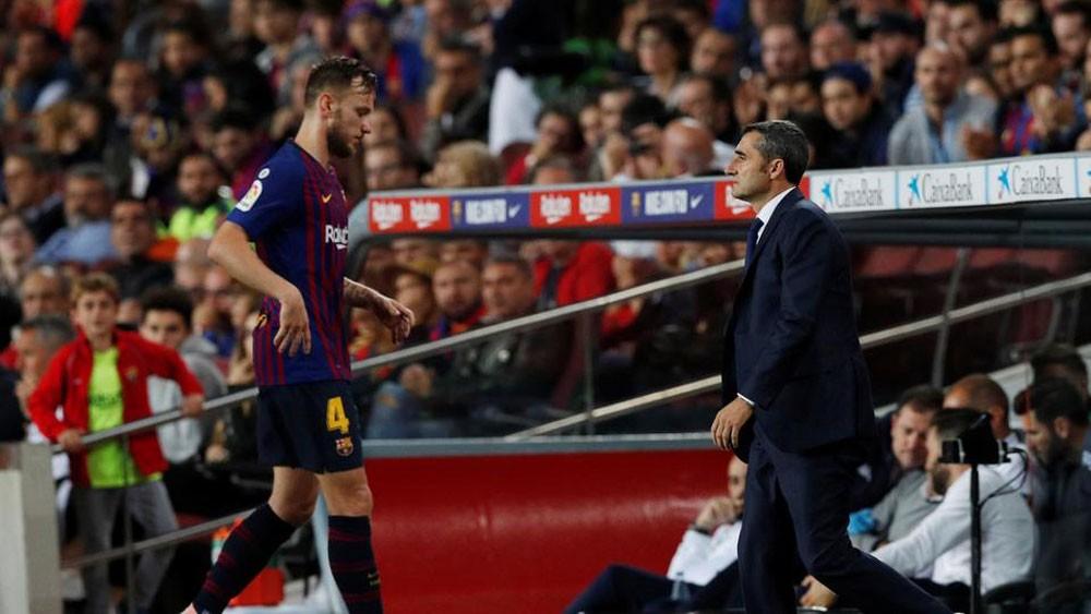 الإصابة تغيب الكرواتي راكيتيتش عن برشلونة أسبوعين
