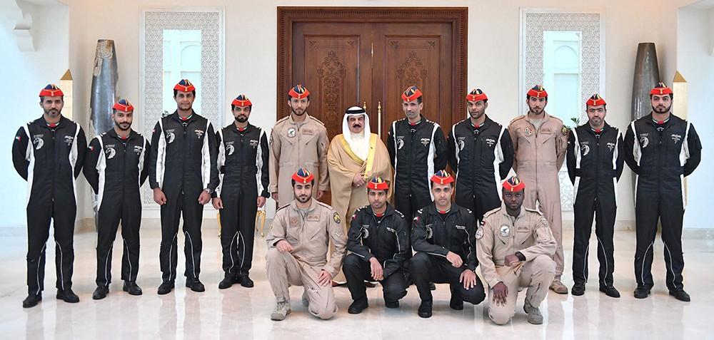 جلالة الملك يشيد بمشاركة فريق فرسان الإمارات في معرض البحرين الدولي للطيران
