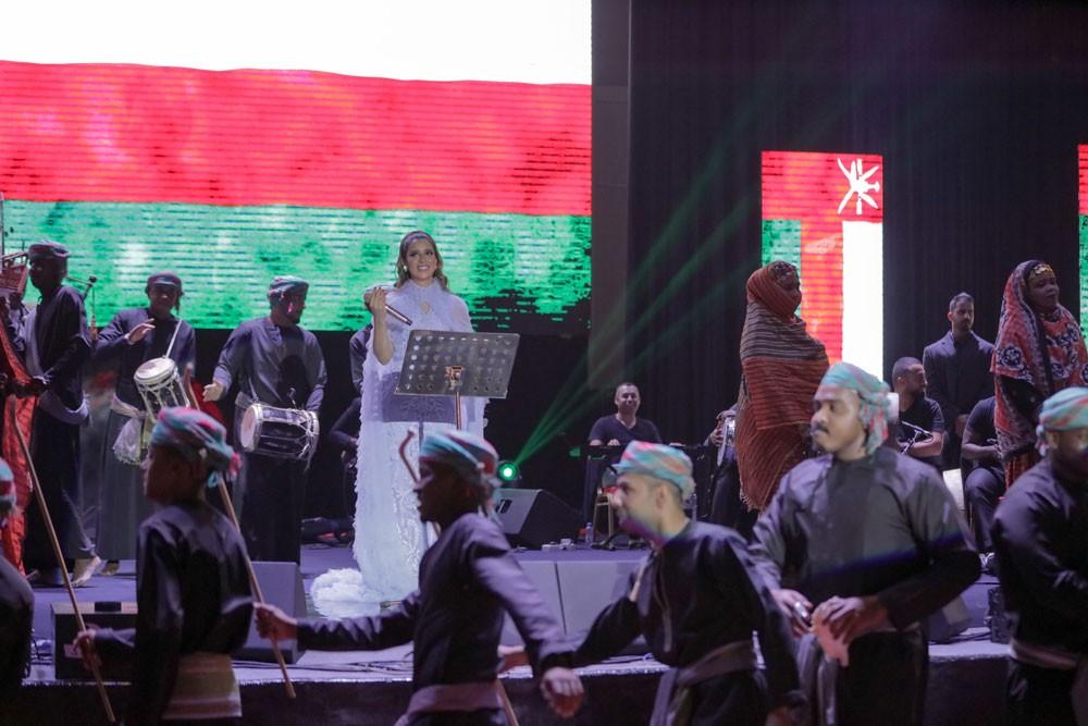 بلقيس تسجّل نجاحاً كبيراً في حفل مسقط لليوم الوطني العُماني