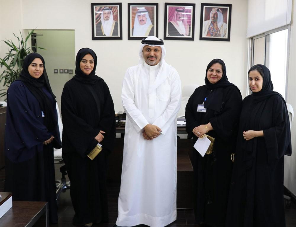 """""""الجنسية و الجوازات"""" تكرم موظفاتها في """"يوم المرأة البحرينية"""" وتعتبرهن شريكا متميزا"""